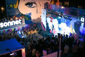 Soirée dans la rue au Festival Mural